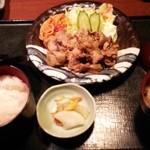 やるき茶屋 - 豚バラ生姜焼き定食  850円