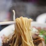 新福菜館 - 麺のアップ