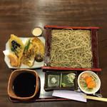 八海そば松月庵 - 野菜天ぷらせいろそば。940円。