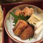 駒形どぜう - から揚げ、煮魚、卵焼き、かまぼこ