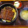 只喜 - 料理写真:うな丼の「中」