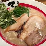 濃厚煮干とんこつラーメン 石田てっぺい - 煮干し豚骨ラーメン