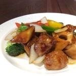 中華料理 頤和園 - 黒酢の酢豚