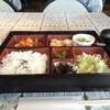 ベネフィス - 料理写真:日替わり弁当、海老と茄子のチリソース