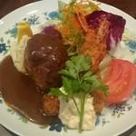 浅井食堂 - ハンバーグとエビフライ