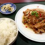 純中国伝統料理四川料理 芊品香 - 油淋鶏ランチ、スープ、ライス、自家製杏仁豆腐付き