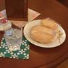 ナポレオーネ - 料理写真:お冷/お茶菓子