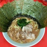 心家 - ラーメン650円。麺硬め。海苔増し100円。