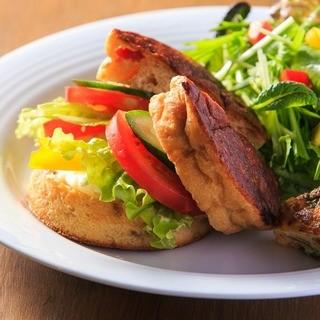 無農薬・有機野菜がた~っぷりのサンドイッチ