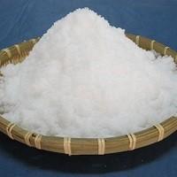 地頭鶏(じとっこ)本来の旨味を引き立てる塩