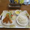 ブラッスリー ほっぺ - 料理写真:海老フライタルタル添え