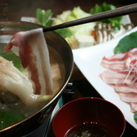 あぐー豚てびち白湯しゃぶしゃぶ鍋