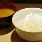 ポンチ軒 - ご飯、味噌汁
