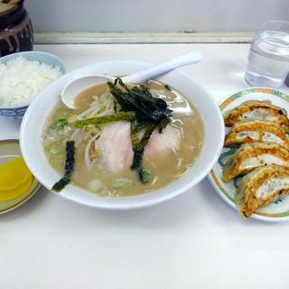 大竜軒 - 料理写真:「ぎょうざセット」780円