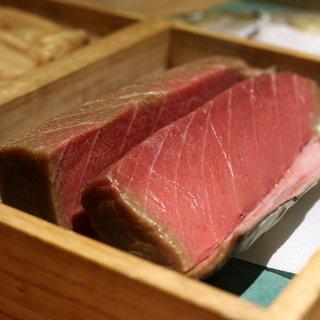 寿しの吉乃 - 料理写真:2週間熟成させた中トロ