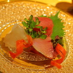 鎌倉山倶楽部 - お作りは、①オニカサゴ ②鰤 ③青森の本マグロ