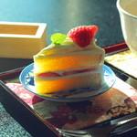 鎌倉山倶楽部 - tea salonからのシートケーキを別室でいただきます