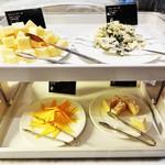 45224400 - ブルーチーズ、カマンベールチーズなど 色々な種類を楽しみました。