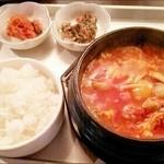韓国家庭の味 いなか家 - チーズスンドゥブ