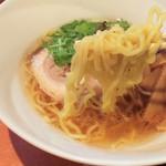 響き屋 - 塩ラーメンの麺