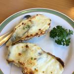 サルデーレ - 牡蠣グラタン2個で680円