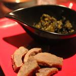 ダイニングバー イリヤ - 料理写真:お通し(高菜、塩漬け肉)