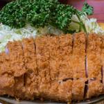 丸一 - 料理写真:大トンカツ(ロース)