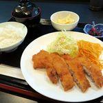 ひだまり亭 - とんかつ定食500円