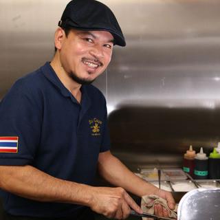 タイ人シェフが作る本格タイ料理