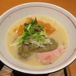 麺と心 7 - 濃厚蟹そば