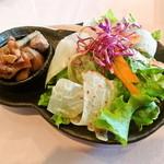 ラ・ターヴォラ - 料理写真:ランチのサラダ