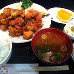 串よし - 若鶏肉唐揚げ定食¥890