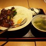 福臨門 - 青菜と豚肉の醤油煮込み丼
