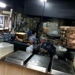 山下うどん店 - 薪を使って釜揚げされるうどん ※2015年11月