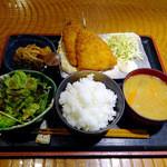 強太朗 - 料理写真:あじフライ定食