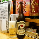 平成大衆酒場 やきとん じゃんじゃん - サッポロラガー大瓶(650円)