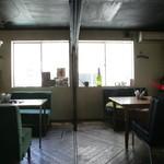アナログ カフェ ラウンジ トーキョー - 奥の部屋