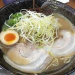 交野きんせい - Wスープ豚骨(大盛)850円(2015.12)