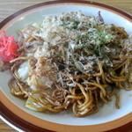 竹の子 - 料理写真:やきそば肉入り 630円