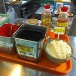 東大生協 中央食堂 - 麺類コーナーの調味料(2015.12.1)