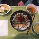 東大生協 中央食堂 - 友人が頼んだ海鮮丼セット。550円くらいだったそうなv