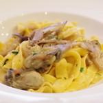 バンディエラ - 牡蠣とキノコのフレッシュトマト和え、タリアテッレ