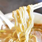 ONE - 太めの麺