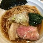 麺屋 壱心 - 醤油そば、細麺(750円)
