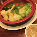 GAB 恵比寿 - 採れたて野菜の温野菜サラダ アンチョビソース/980円