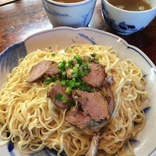 自家製麺とコーチンスープの「つけ麺」