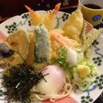 新たうどん - 料理写真:温玉ぶっかけデラックス♡