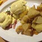 エッグスンシングス - 料理写真:エッグベネディクト スタンダード
