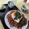 和田屋 - 料理写真:焼きそば600。冷奴、白菜浅漬が付きます。