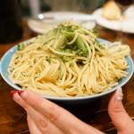 メッシタ - パスタ ブロッコリーとアンチョビ(1,000円)